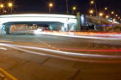 Camino urbano de la noche de la ciudad Imagen de archivo libre de regalías