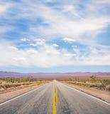 Camino vacío del desierto Fotografía de archivo libre de regalías