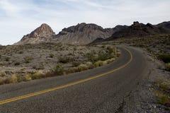 Camino vacío del desierto - Route 66 Foto de archivo libre de regalías
