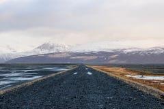 Camino vacío en Islandia foto de archivo libre de regalías