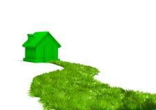 Camino verde a un nuevo hogar Foto de archivo
