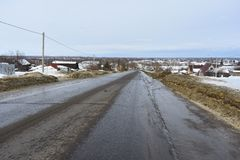 Camino viejo del asfalto de tierra del camino Foto de archivo libre de regalías