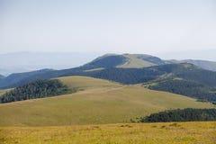 Camino viejo en montañas Imagen de archivo libre de regalías