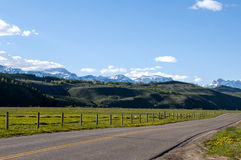 Camino Wyoming del campo imágenes de archivo libres de regalías