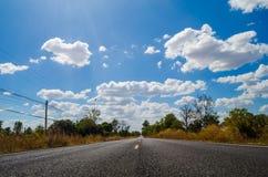 Camino y cielo Foto de archivo libre de regalías