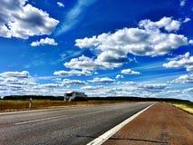 Camino y cielo Imágenes de archivo libres de regalías