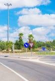 Camino y cruce giratorio Fotos de archivo libres de regalías
