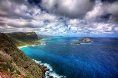 Camino y faro de la costa de Hawaii imagen de archivo libre de regalías