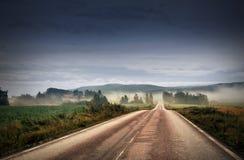 Camino y niebla Fotografía de archivo