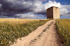 Camino y torre Fotografía de archivo libre de regalías