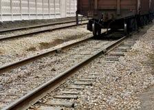 Camino y tren ferroviarios p1 Foto de archivo