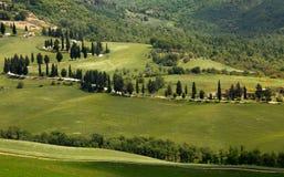 Caminos de enrollamiento toscanos Imágenes de archivo libres de regalías