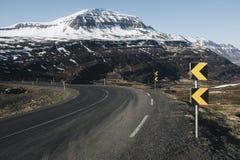 Caminos de la montaña de Islandia de Imagen de archivo libre de regalías