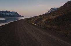 Caminos de la montaña de Islandia de Fotografía de archivo
