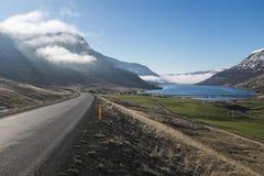 Caminos de la montaña de Islandia de Fotografía de archivo libre de regalías