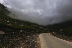 Caminos de la montaña y Foto de archivo