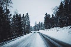Caminos del invierno Fotos de archivo libres de regalías