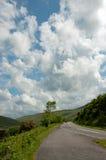 Caminos del verano en los faros de Brecon de País de Gales Imagen de archivo