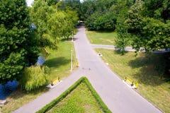 Caminos pavimentados en parque Imágenes de archivo libres de regalías