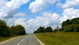 Caminos pavimentados rurales Imagen de archivo