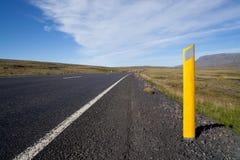 Caminos que viajan de Islandia Foto de archivo