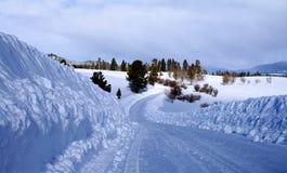 Caminos rurales del invierno Imagen de archivo libre de regalías