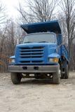 Camion à benne basculante bleu Photos stock