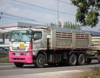 Camion à benne basculante privé de roue de Hino 10 Photo libre de droits