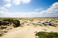 camion 4x4 in dune Fotografie Stock Libere da Diritti
