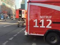 Camion allemand de service de corps de sapeurs-pompiers photographie stock libre de droits