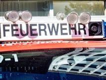 Camion berlinois de service de corps de sapeurs-pompiers de Feuerwehr image stock
