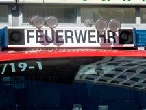 Camion berlinois de service de corps de sapeurs-pompiers de Feuerwehr photos stock