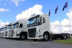 Camion bianchi di Volvo su esposizione Fotografia Stock Libera da Diritti