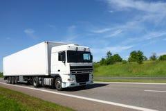 Camion blanc photographie stock libre de droits