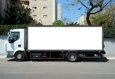 Camion blanc avec le panneau blanc Photo stock