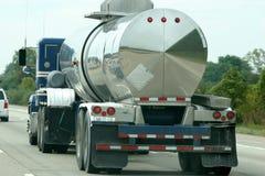 Camion-citerne d'essence Photos stock