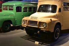 Camion classici dell'annata di Bedford Immagine Stock Libera da Diritti