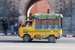 Camion coloré de Suzuki à Marrakech Photos libres de droits