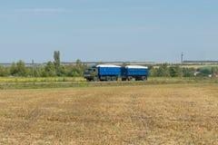 Camion con grano Immagini Stock Libere da Diritti