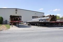Camion con le travi di acciaio Immagine Stock Libera da Diritti