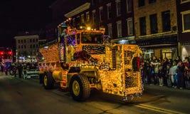Camion décoré au défilé de vacances Photographie stock libre de droits