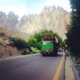 Camion d'amour de vue de route de véhicule d'été Images libres de droits