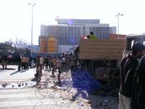 Camion d'armée en révolution d'Egyptien de grand dos de tahrir Photographie stock libre de droits
