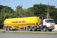 Camion d'huile d'entreprise de transport d'huile de sous-marin de Watchara Images stock