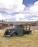 Camion d'ordinateur de secours dans une ville fantôme Photo libre de droits