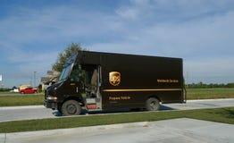 Camion d'UPS avec l'identification de véhicule de propane photographie stock libre de droits