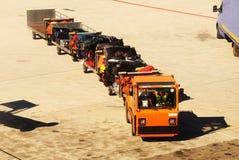 Camion de bagages, aéroport de Malaga. Photo libre de droits