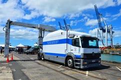 Camion de balayage de cargaison de service douanier du Nouvelle-Zélande photographie stock