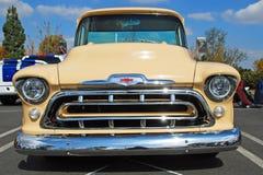 Camion 1957 de collecte de Chevrolet de classique Images libres de droits