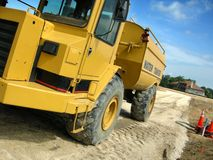 Camion de construction sur le site Image libre de droits